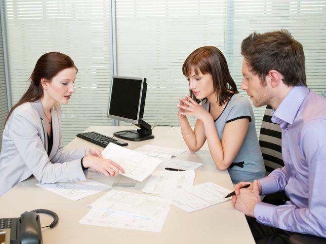 Нужно ли согласие супруга на дарение квартиры: можно ли подарить недвижимость без согласия партнера, а также образец заполнения документа